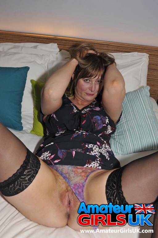 Milf spread her legs for you