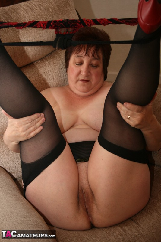 Tog hill dogging wife getting ready to meet UK Sex Contacts